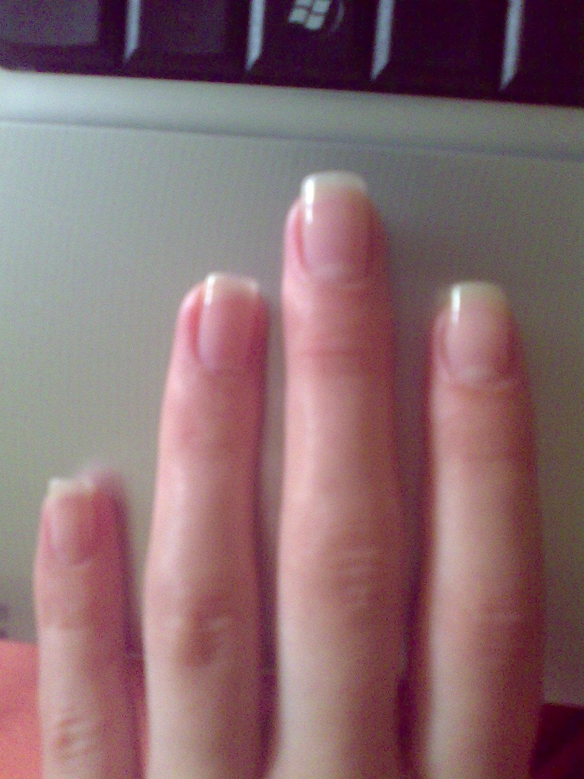 Форма ногтей мягкий квадрат на короткие ногти фото
