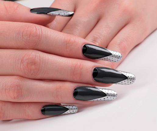 готический дизайн ногтей